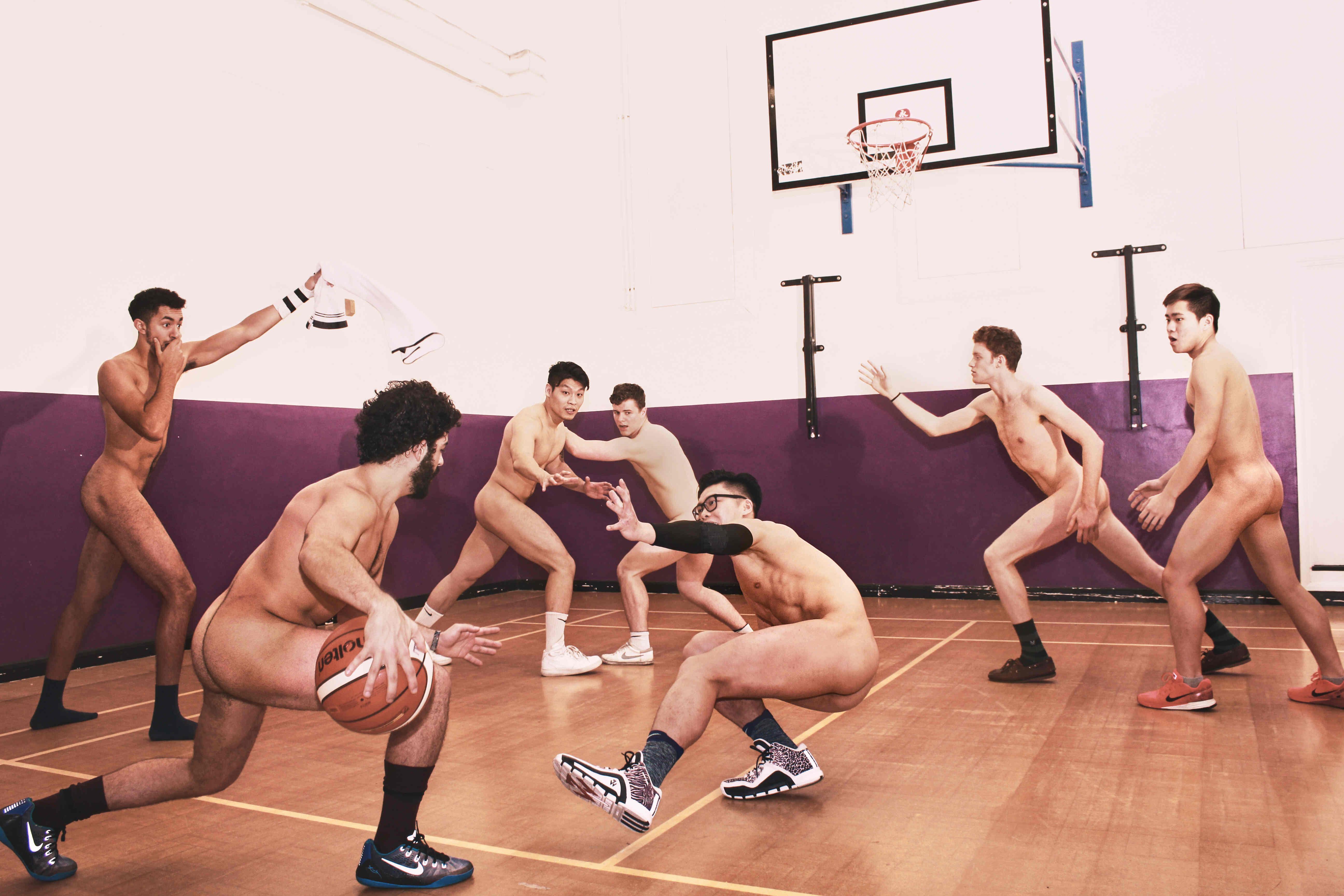 Парни Голые Баскетбол