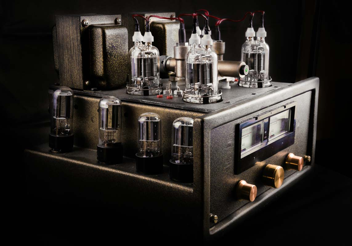 Guitar 101: What Is a Tube Amplifier? Learn the Difference