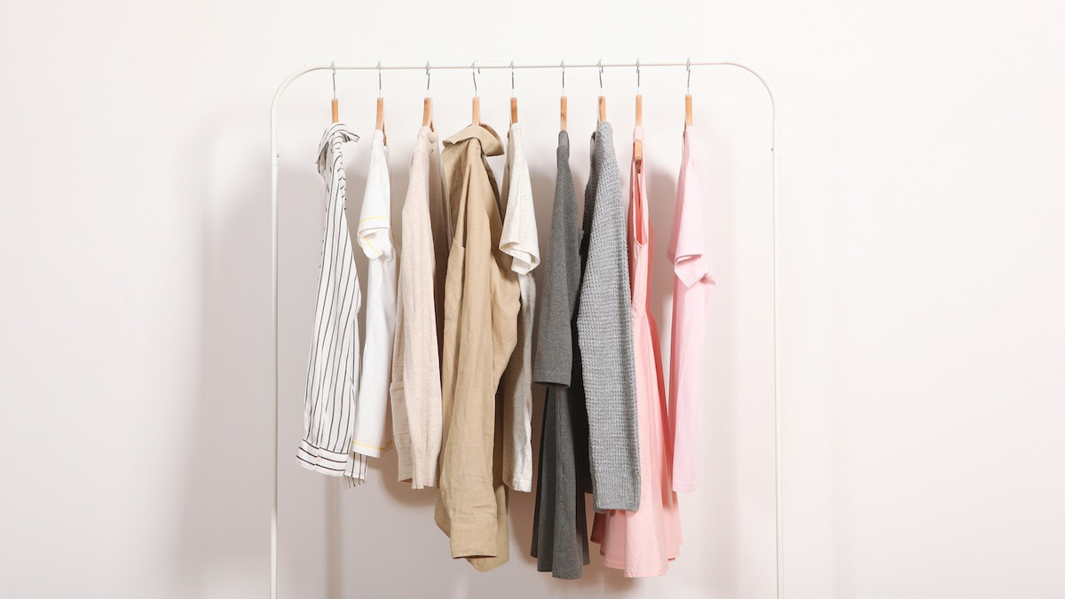 How To Build A Capsule Wardrobe 10 Closet Essentials With Video