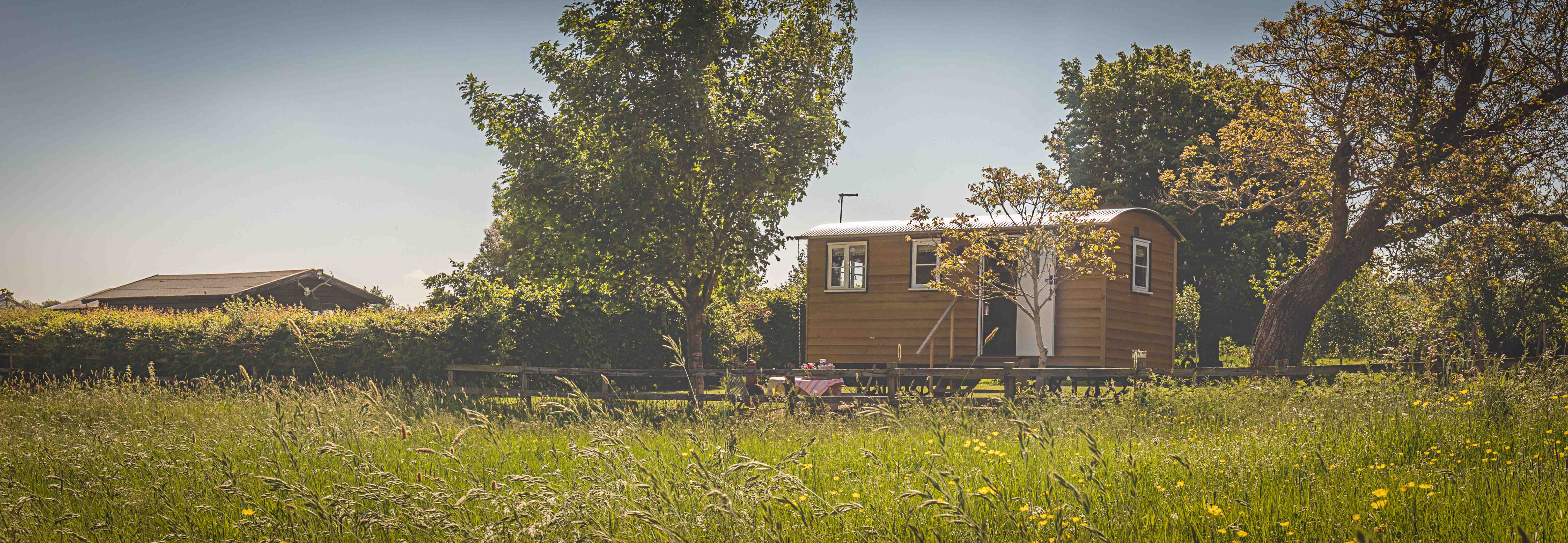Avenue Farmhouse Shepherds Hut (3)