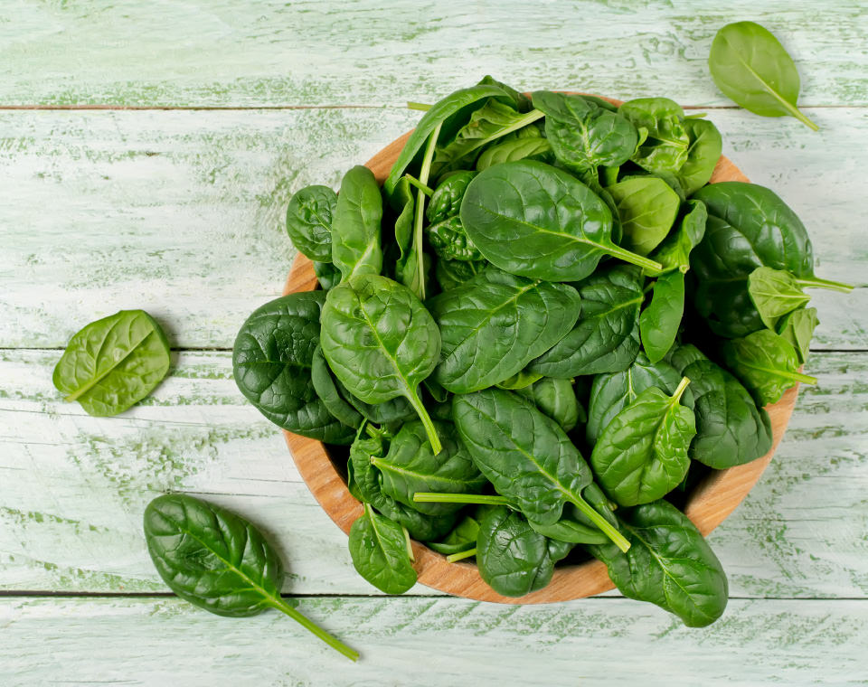 bowl-of-raw-spinach-i-screen