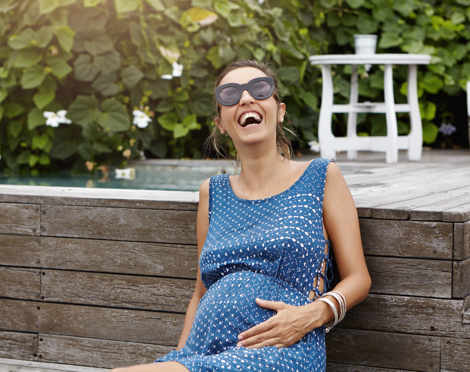pregnant-lady-laughing-i-screen