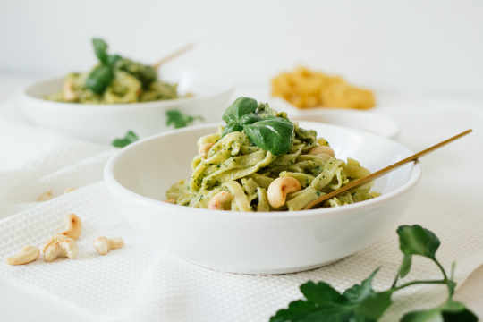 Pasta in green basil-cashew-pesto