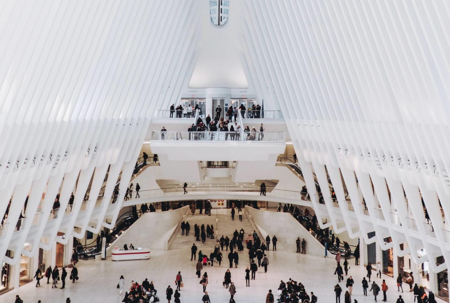 Image of The Oculus in New York City during a busy rush hour commute