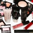 laura-mercier-into-the-gloss-look-good-in-photos-1
