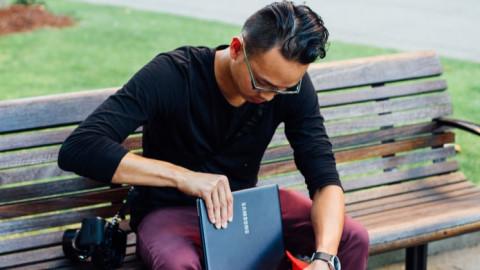 Shutterstock Custom pocketing Samsung laptop