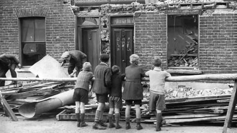 Editorial - Archival Collection - Northcliffe Collection - World War II - 9978731v