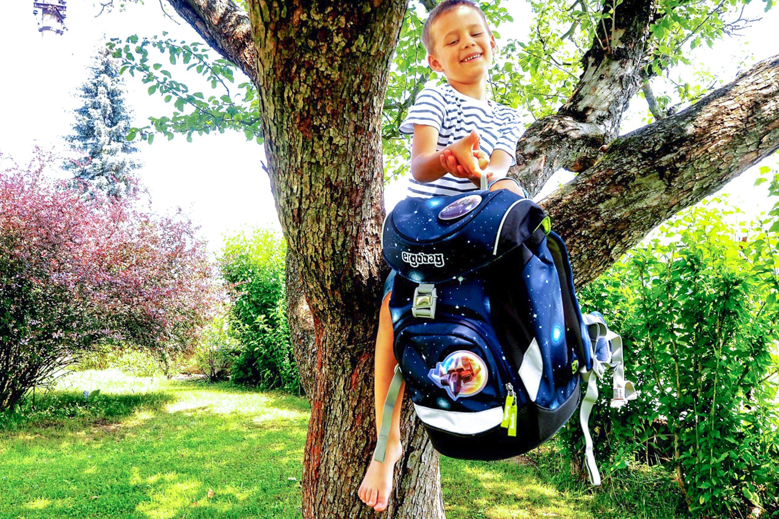 ergobag-boy-tree-vacation