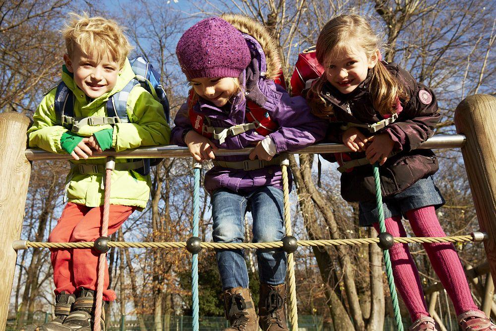 ergobag-kids-outdoor