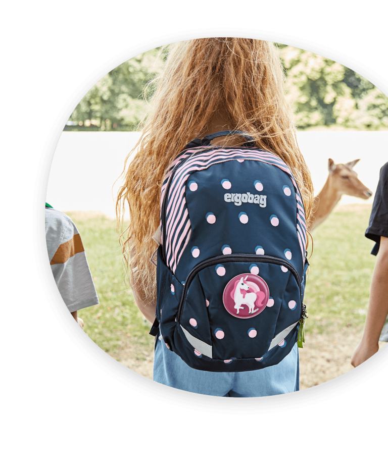 ergobag-listing-image--ease-large-dots-girl-nature-backpack