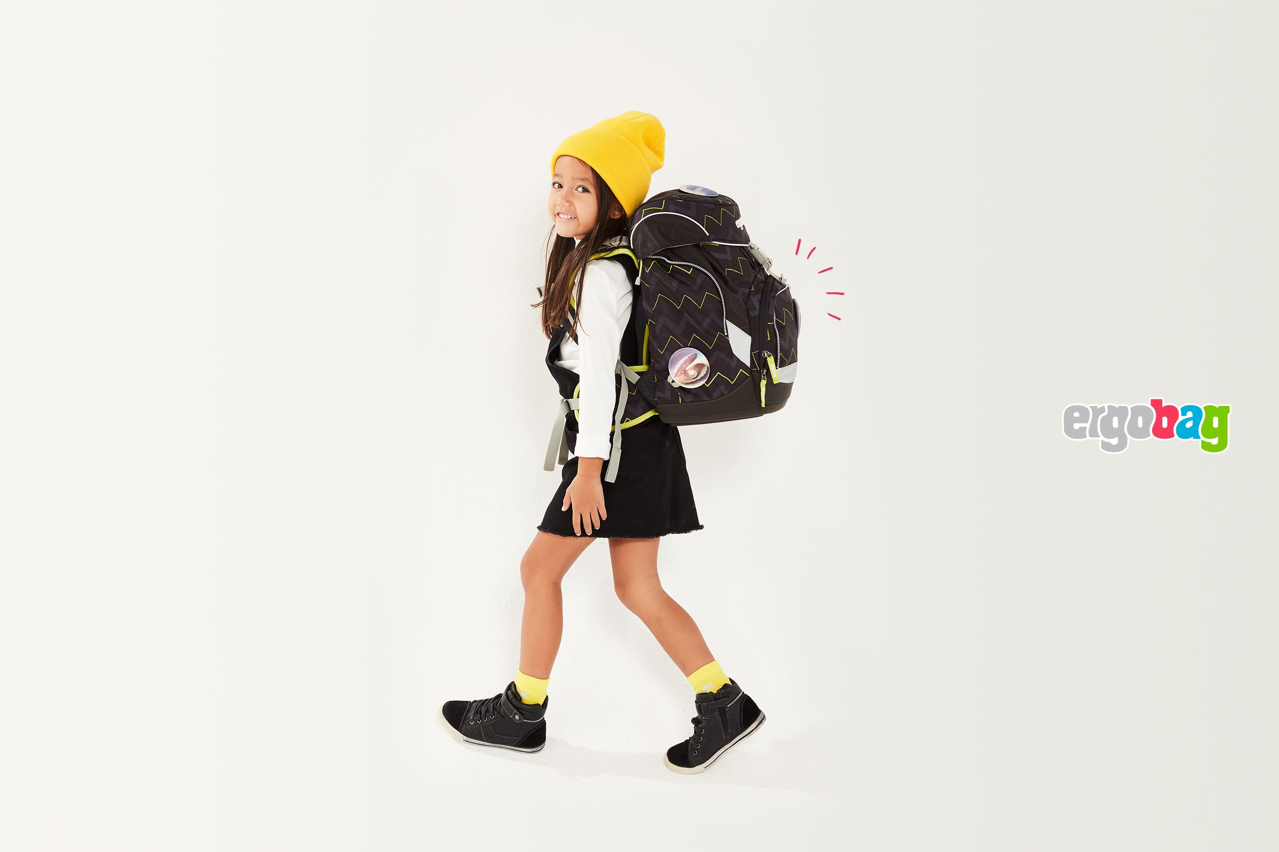 ergobag-girl-black-backpack