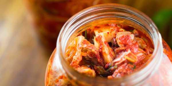 glass with kimchi probiotics