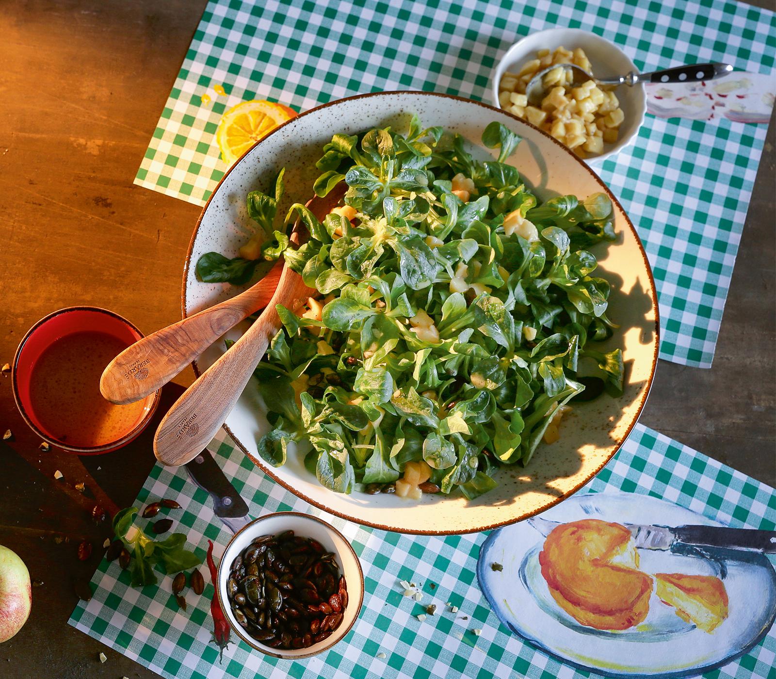 N sslisalat mit apfeldressing annemarie wildeisens kochen for Kochen 10 personen