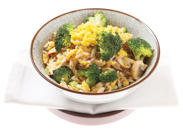 fried rice mit pilzen und broccoli annemarie wildeisens kochen. Black Bedroom Furniture Sets. Home Design Ideas