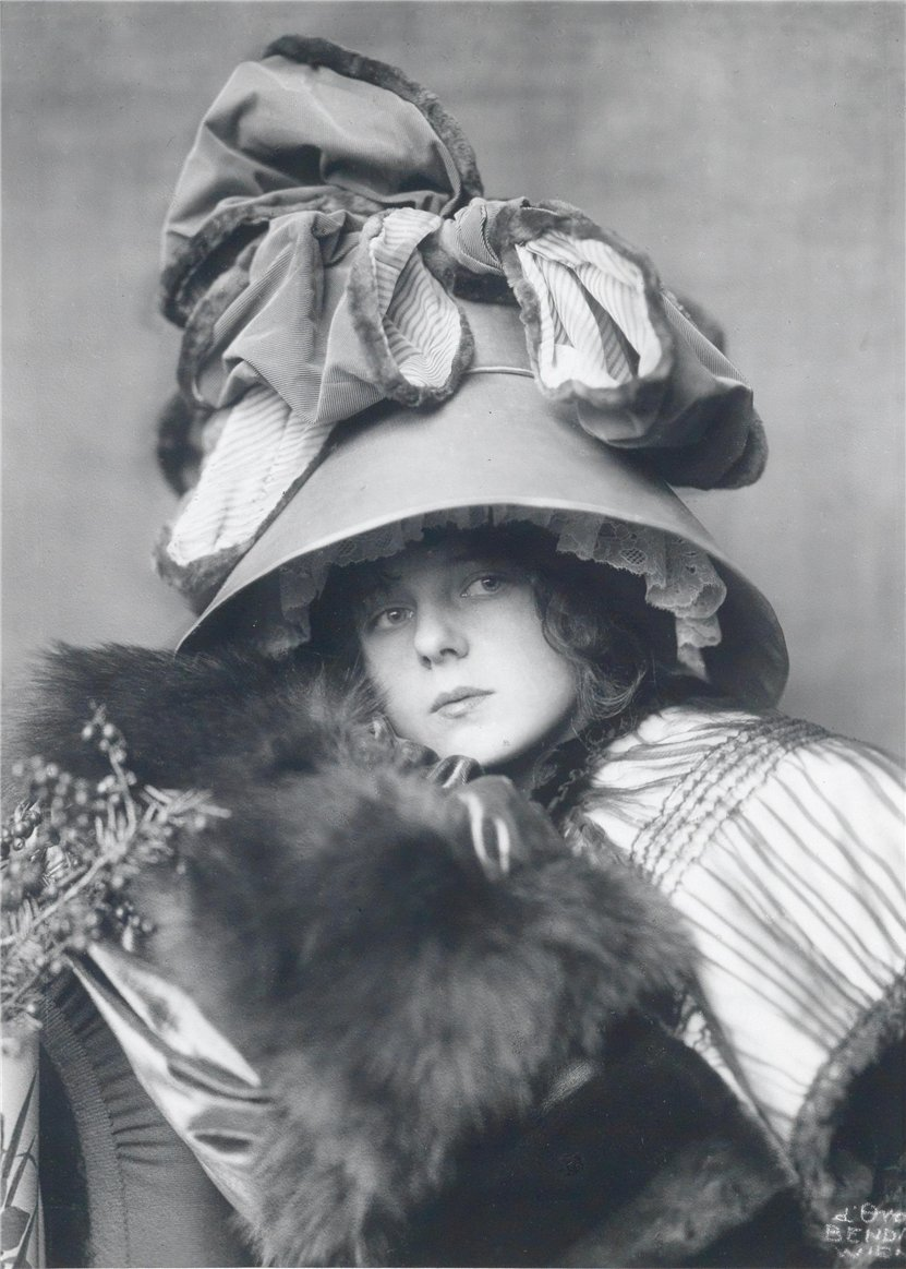 Dora kallmus  d ora in hat  1910