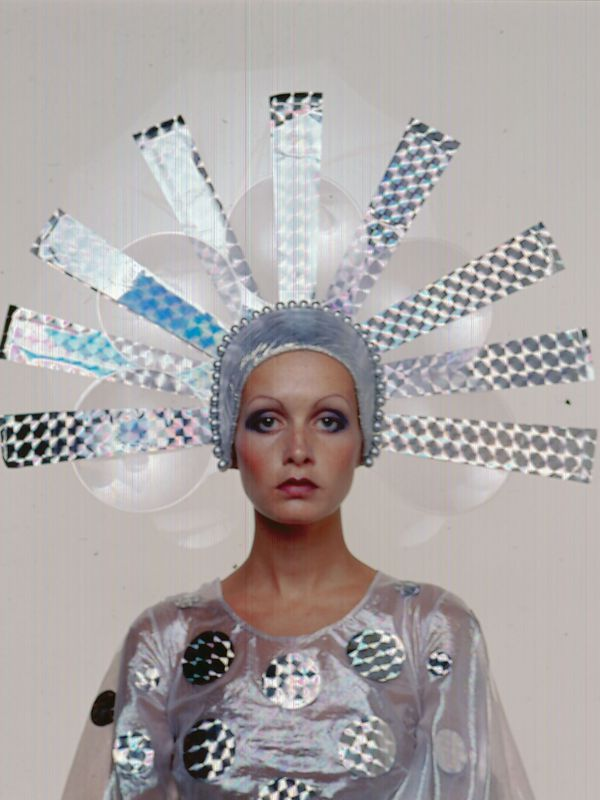 Twiggy in marie claire  january  1971