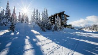 Exterior winter Copperhill Mountain Lodge