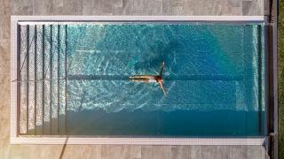 girl-swimming-pool-selma-spa