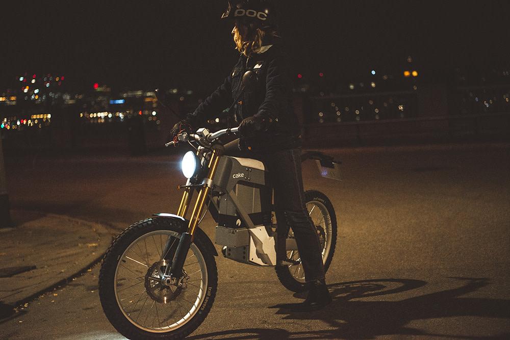 48bee15f3f9 Sweden's CAKE Introduces Street Legal Electric Dirt Bike Alternative. A  lightweight ...