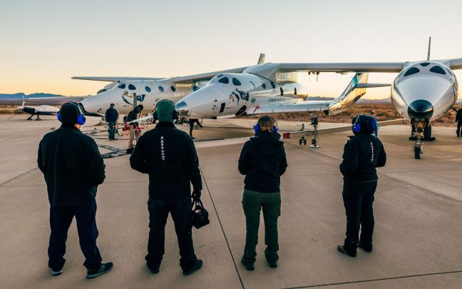 Virgin Galactic team prepares for test flight