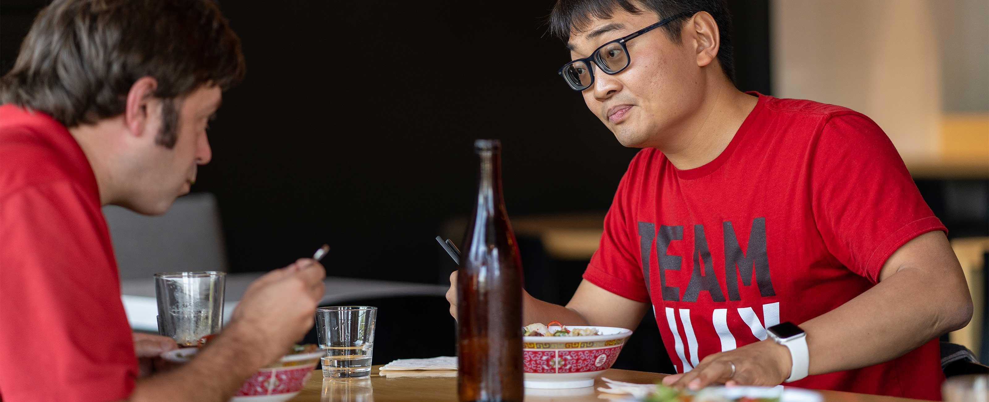 x嵌入故事元时吃午餐