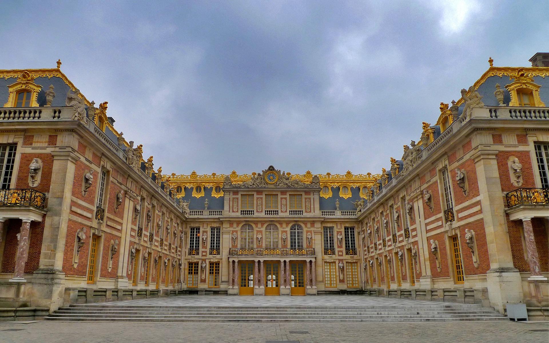 Versailles tour from paris for Piscine de versailles