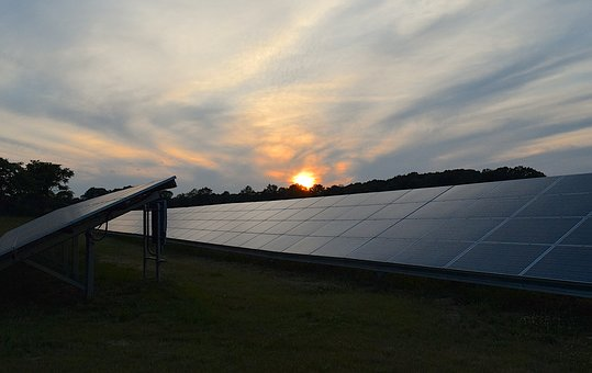 commercial-solar-installation-ground-mounted
