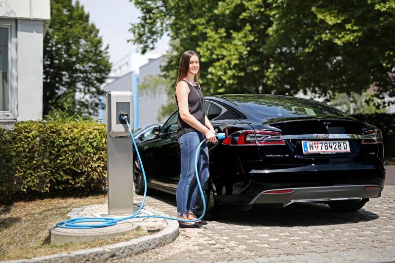 Keba-bseries-ev-chargepoint-charging-Tesla