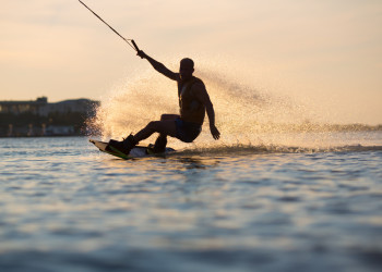 Wake-boarding in Barcelona - Pissup
