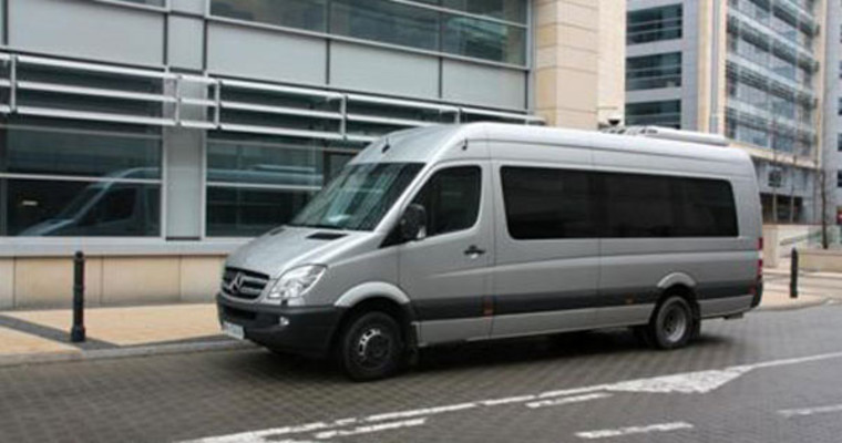airport transfer mercedes mini bus photo