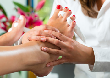 pedicure foot massage image SHT