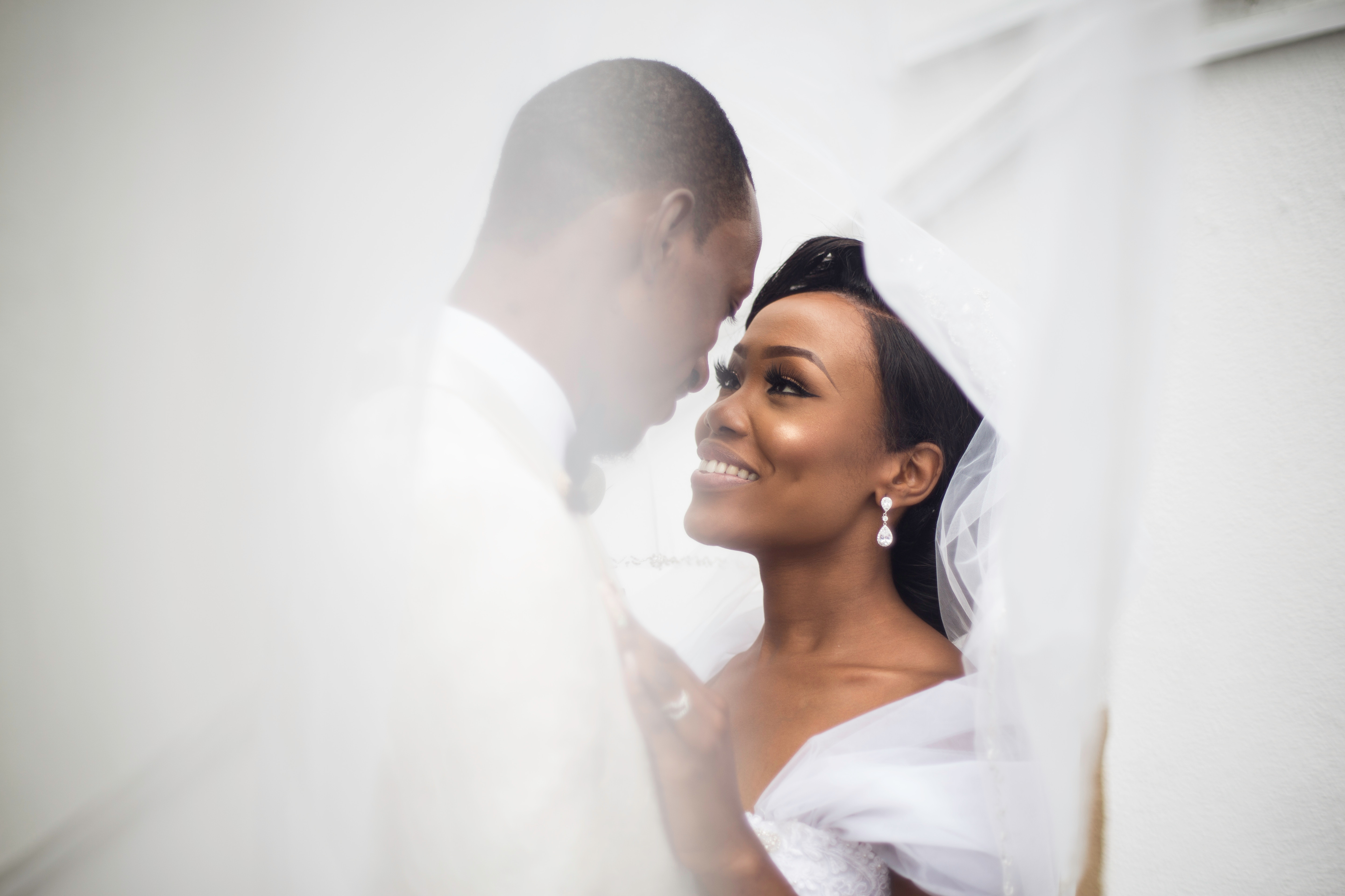 Relax and enjoy your wedding day. Image by Ifeoluwadayo Ogunderu
