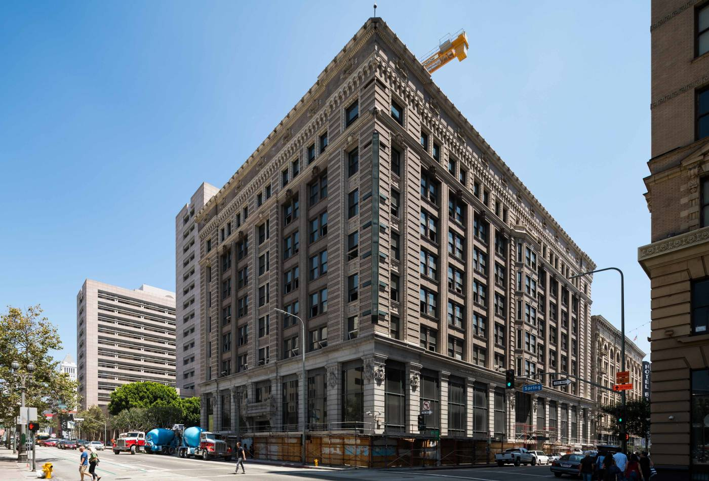 This ten-story, Beaux-Arts style building was originally a bank, constructed in 1903 for Herman W. Hellman, a German-born financier and businessman who became one of Los Angeles' wealthiest residents.