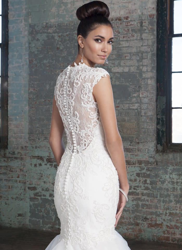 Brautkleider mit Spitze am Rücken