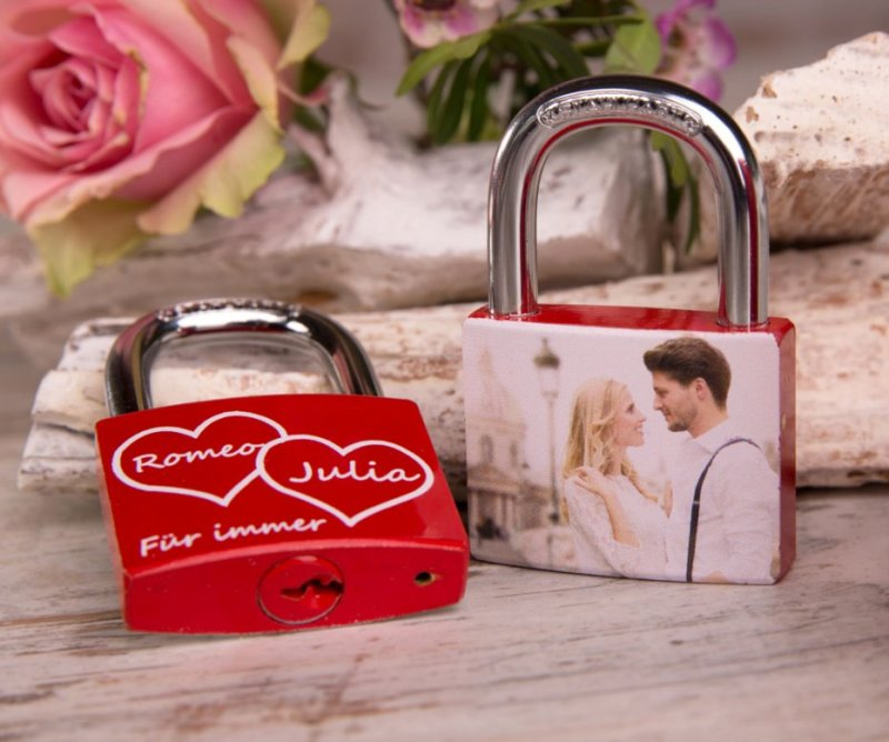 Liebesschloss symbol der liebe ewiger treue for Brautpaar wohnung dekorieren