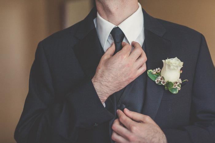 Anstecker Und Andere Accessoires Fur Den Brautigam