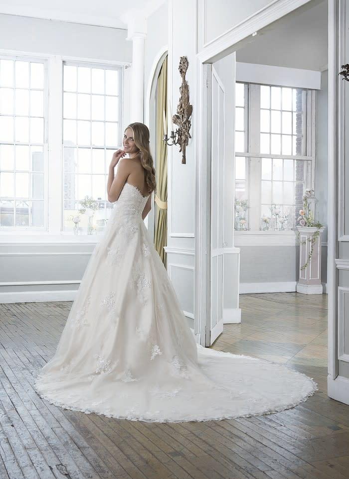 Pompöse Brautkleider - aktuelle Trends