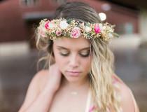 Brautschmuck haare blumen  Brautfrisuren für kurze Haare