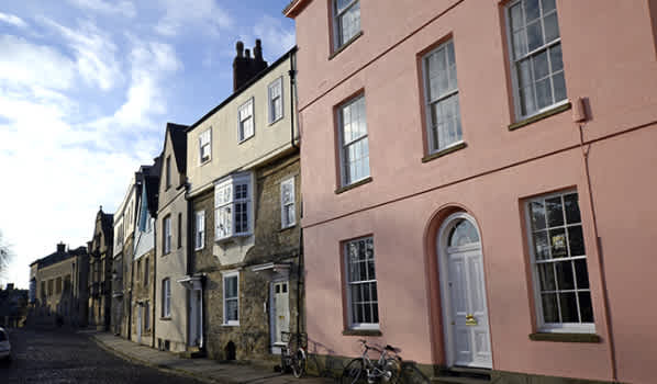 Old Oxford houses on a cobblestone street