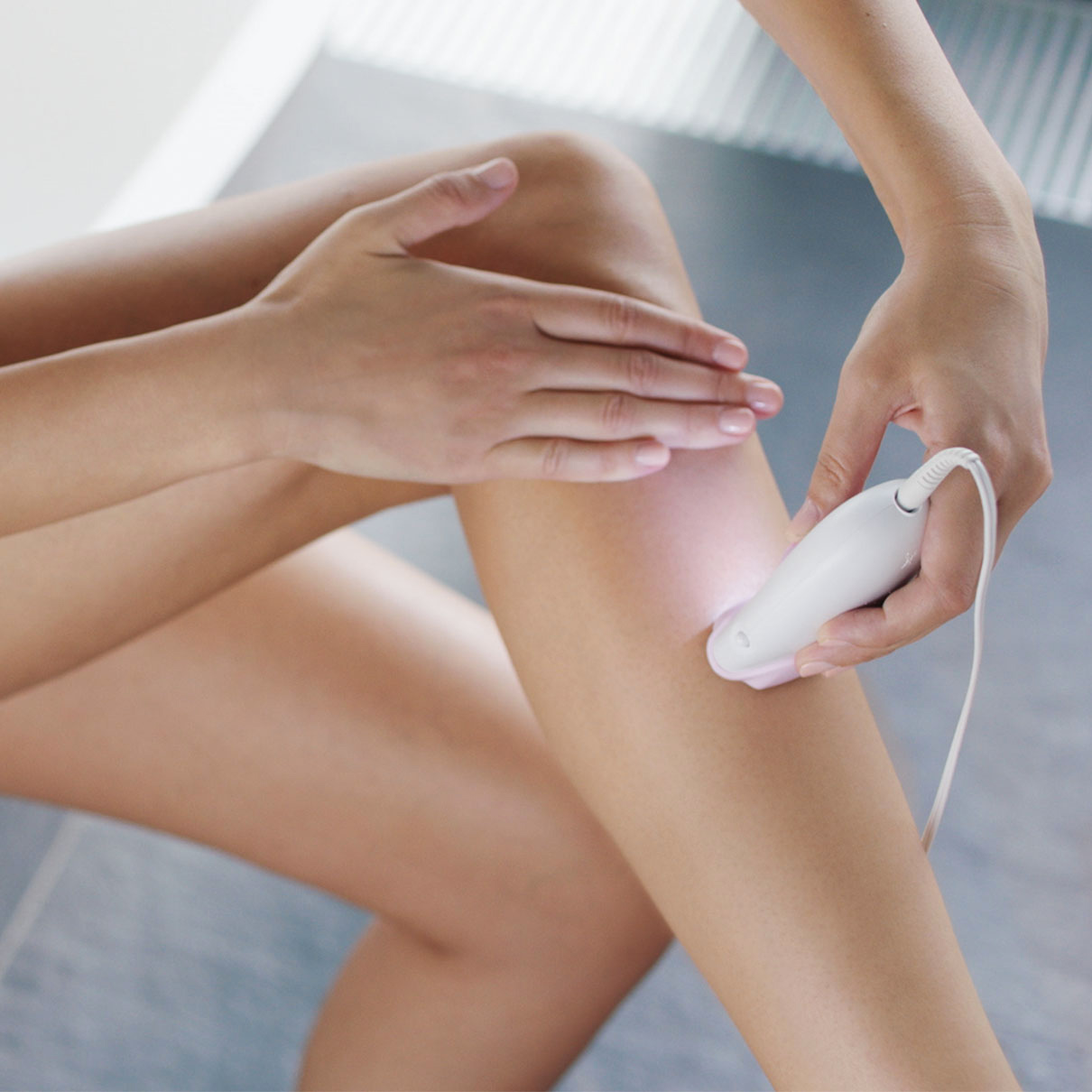 Silk-épil 3 3-321 epilator in use