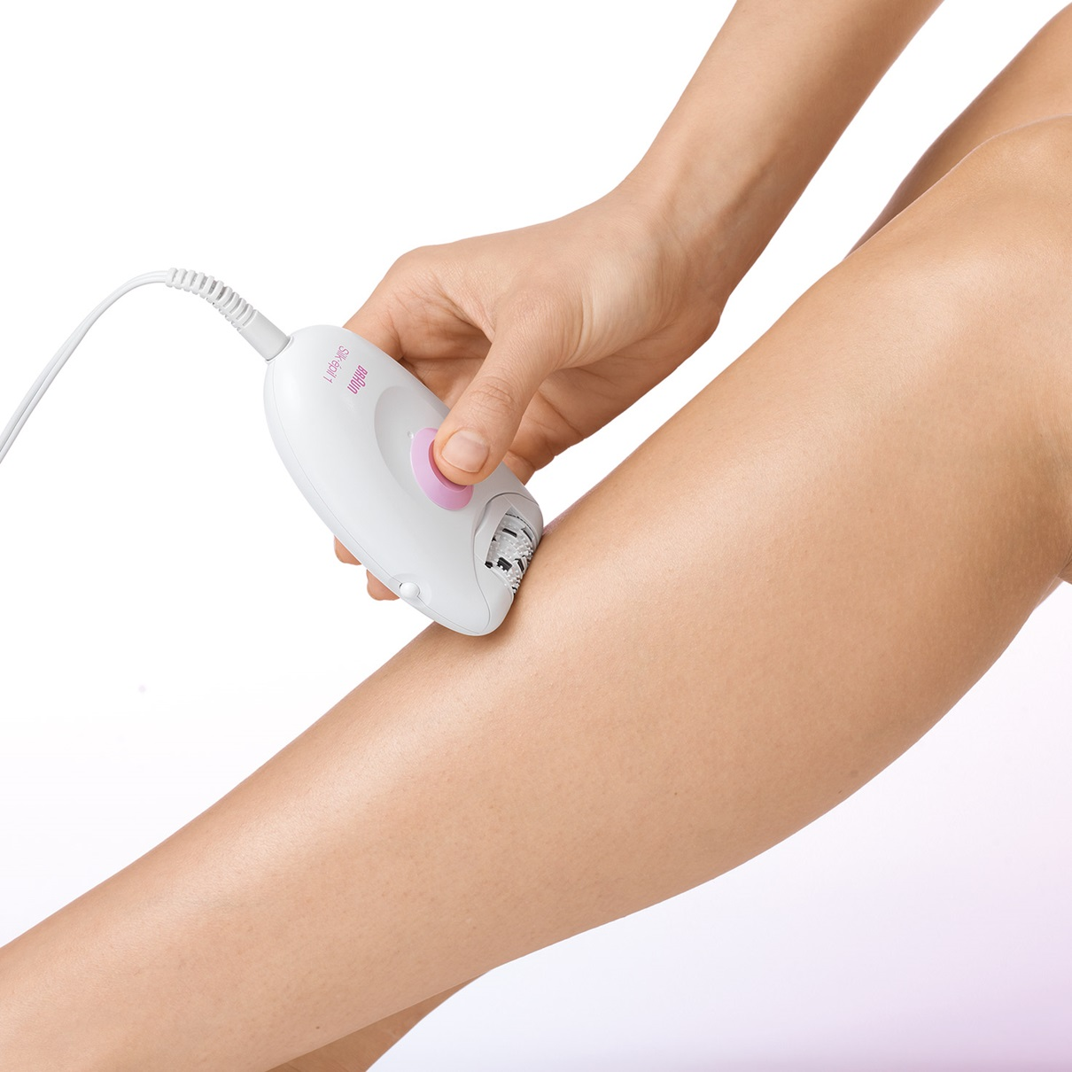 Braun Silk-épil 1 - 1170 Legs Epilator - in use
