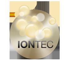Az IONTEC kiemeli a haj fényét és simábbá teszi azt.