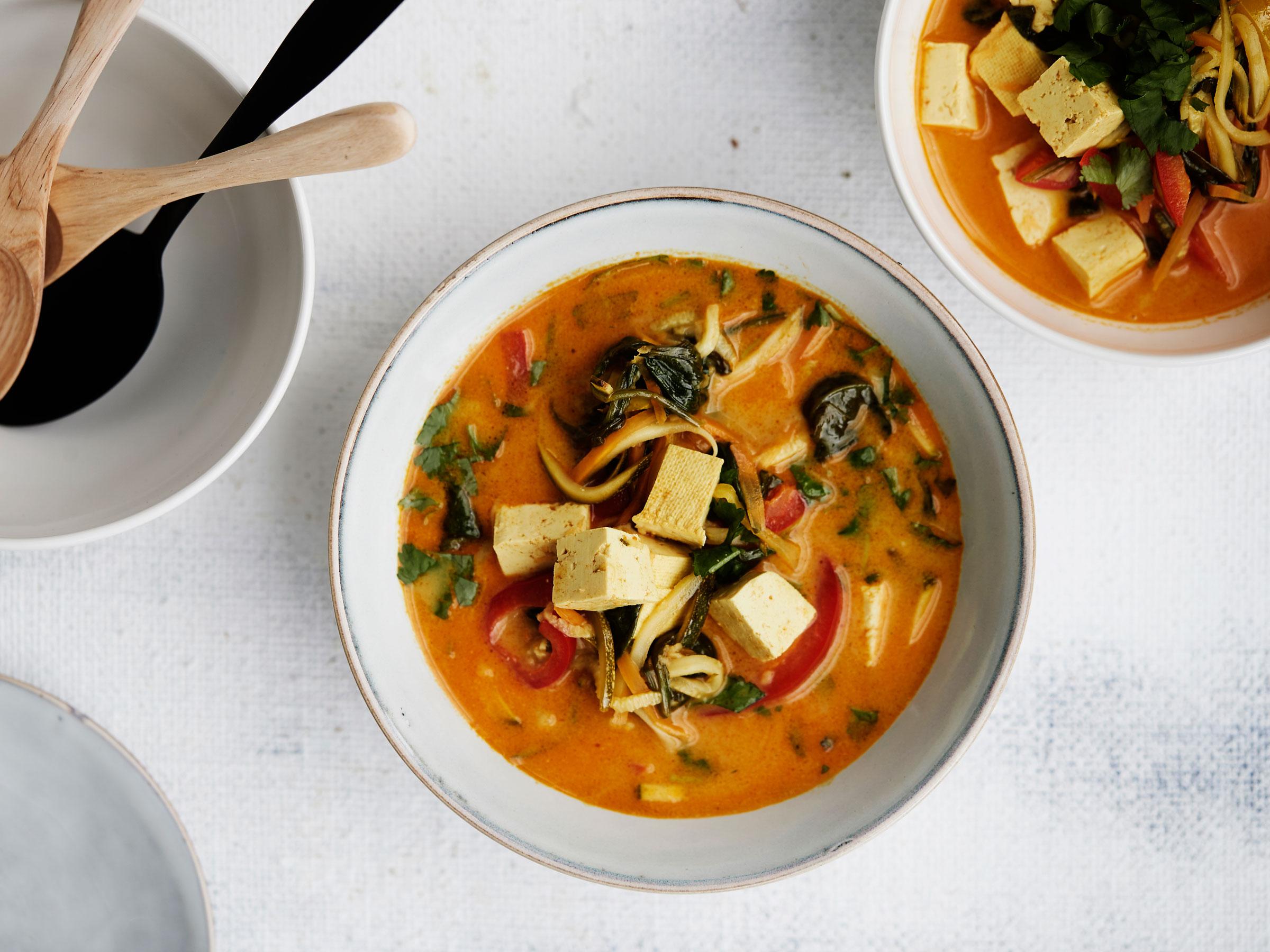 Mausteinen tofu-kasviskeitto - Reseptit