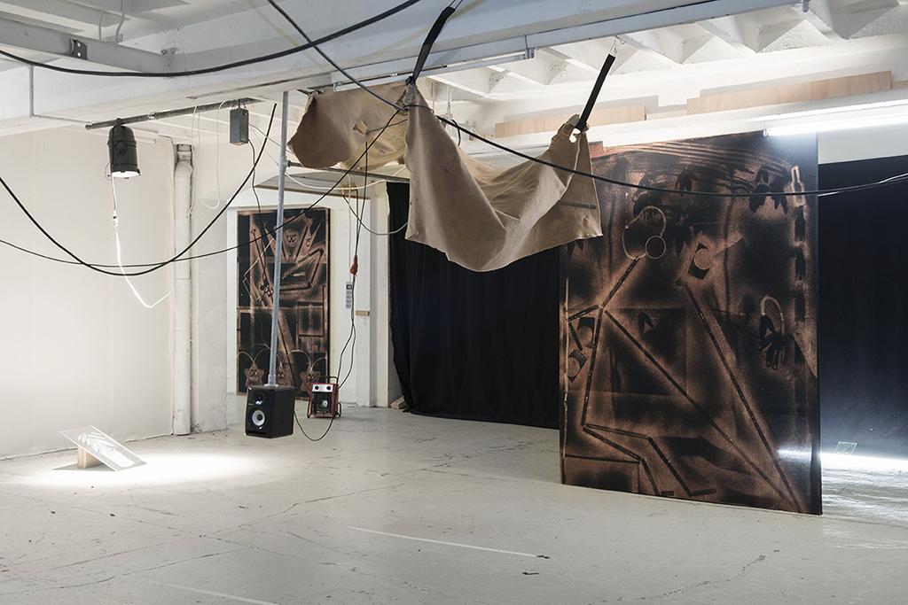 02-exhibition-view-TMLAAITZ-lausanne-2015-charlottestuby-1024.jpg