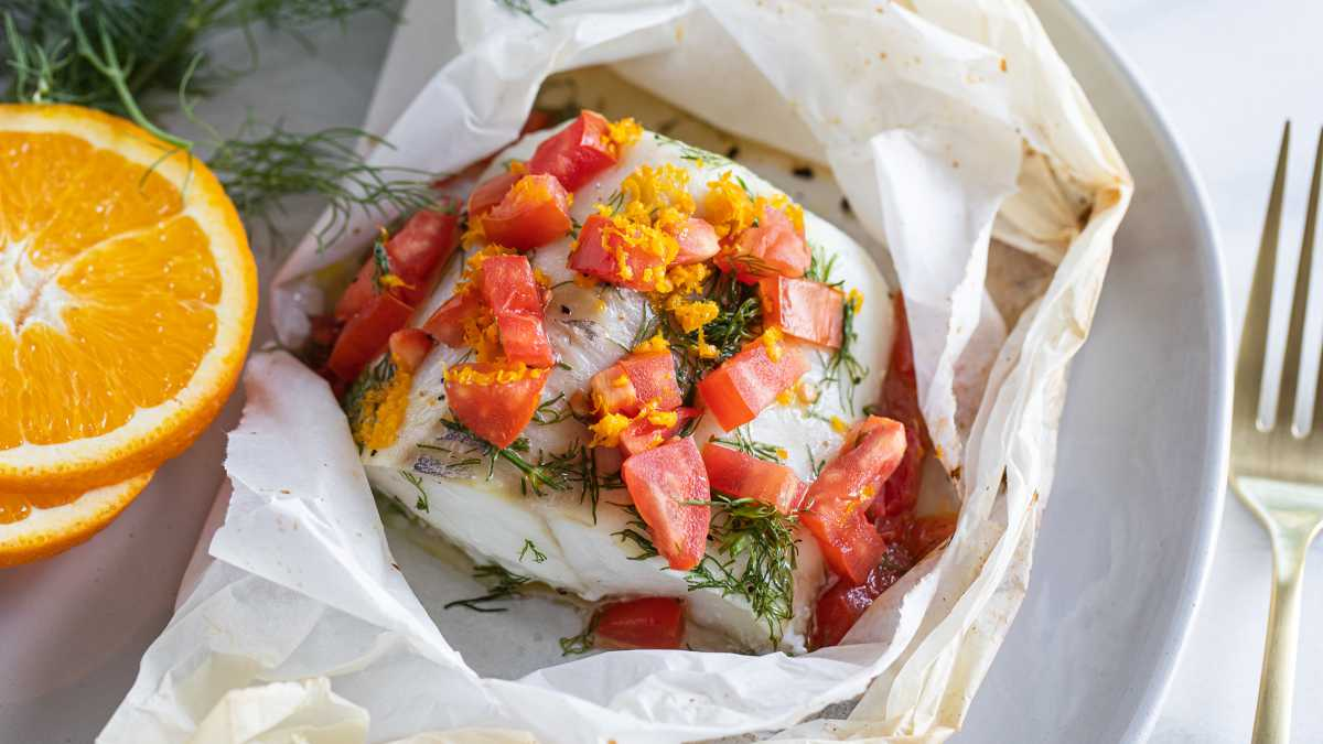 Cod en Papillote with Tomatoes, Orange and Dill