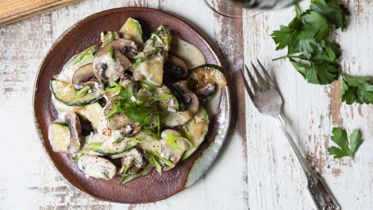 Zucchini Sauté with Mushrooms and Cheese