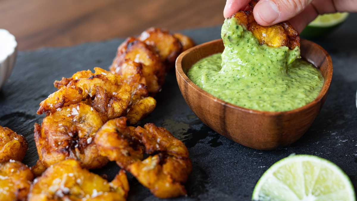 Tostones (Fried Plantain Cakes)