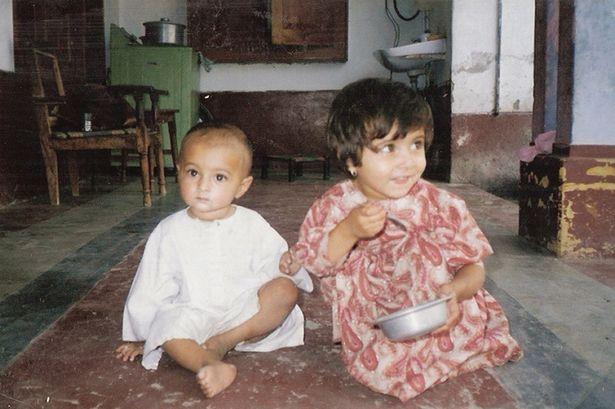 Η Μαλάλα και ο αδερφός της, Χουσάλ.