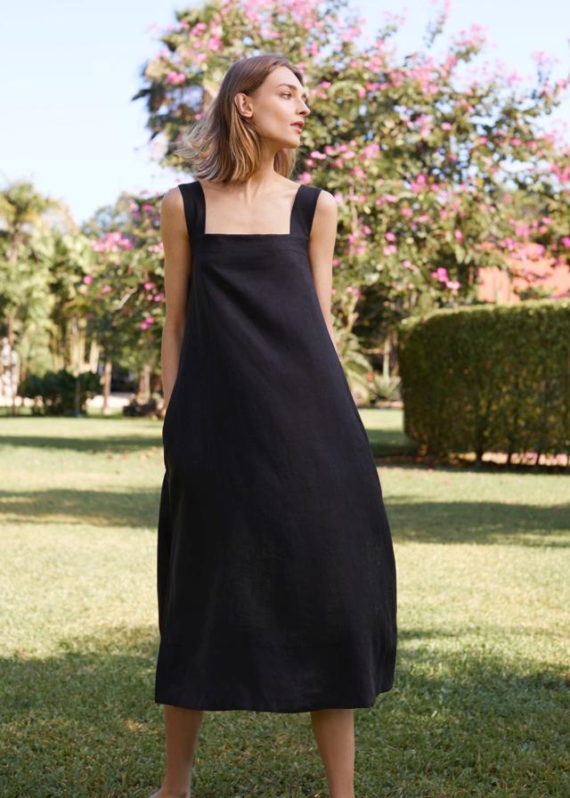 a6996bb848 Woman in Black Cuyana Linen Dress