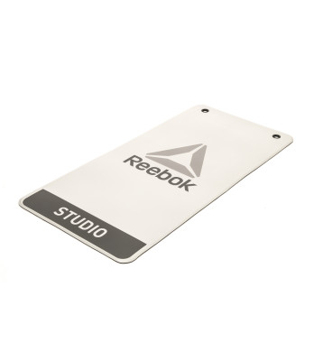 reebok_rsyg-16021_studio_mat_product_1.jpg – Durable, easy to clean and hygienic carpet.